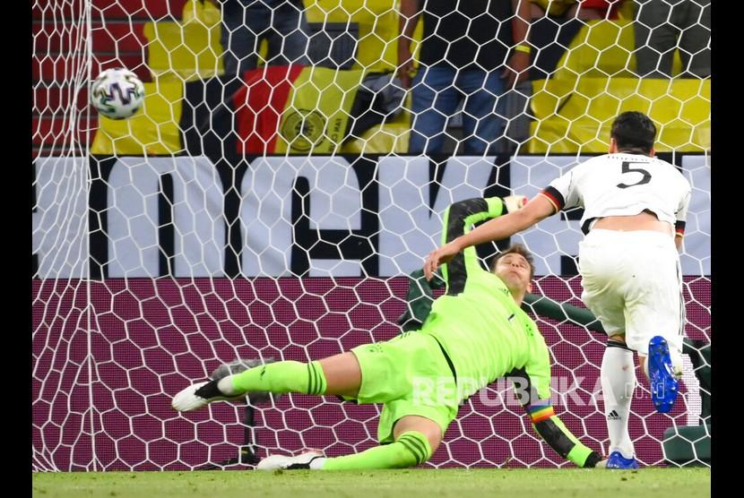 Gol bunuh diri Mats Hummels memaksa Jerman bertekuk lutut atas Prancis dengan skor 0-1 dalam laga Grup F Euro 2020 di Allianz Arena, Muenchen, Rabu (16/6) dini hari WIB.