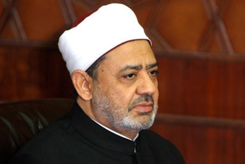 Grand Sheikh Al-Azhar, Mesir, Ahmad Mohamad ath-Tayeb.
