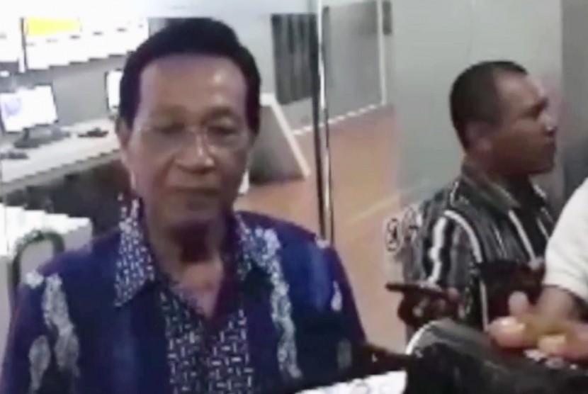 Gubernur DIY, Sri Sultan Hamengku Buwono X