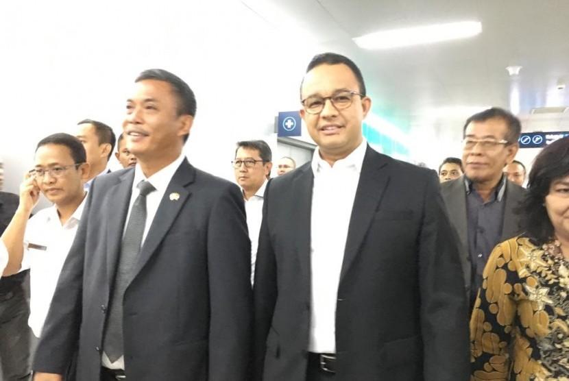 Gubernur DKI Jakarta Anies Baswedan bersama Ketua DPRD Prasetyo Edi Marsudi