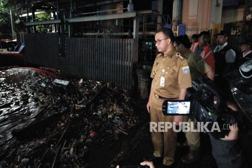 Gubernur DKI Jakarta, Anies Baswedan saat meninjau Pintu Air Manggarai (ilustrasi)