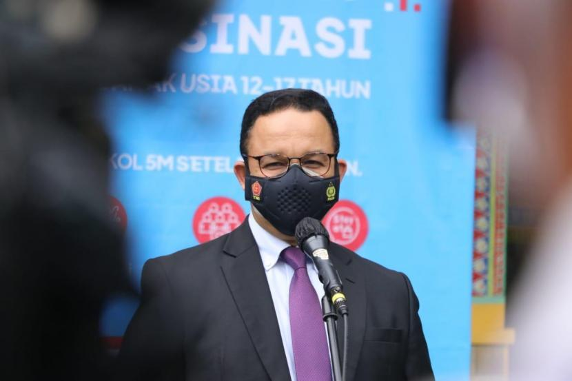 Gubernur DKI Jakarta Anies Rasyid Baswedan saat meninjau vaksinasi Covid-19 beberapa waktu lalu.