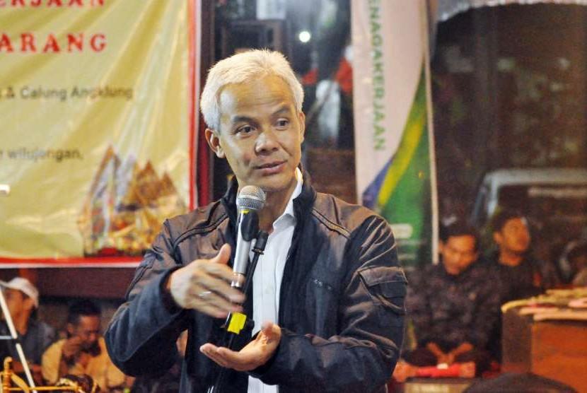 Gubernur Jawa Tengah, Ganjar Pranowo, saat menghadiri launching Desa Sadar Jaminan Sosial Ketenagakerjaan dan puncak sedekah bumi Desa Lerep.