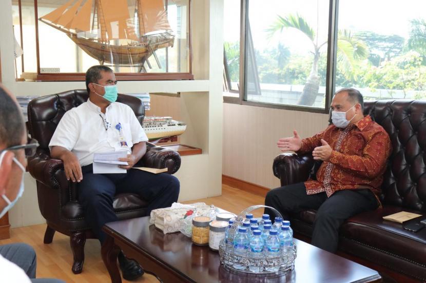Gubernur Kepulauan Bangka Belitung (Babel), Erzaldi Rosman melaksanakan audiensi dengan Direktorat Jenderal Perhubungan Laut Kementerian Perhubungan Republik Indonesia (Kemenhub RI) untuk membahas kembali, Senin (21/6).