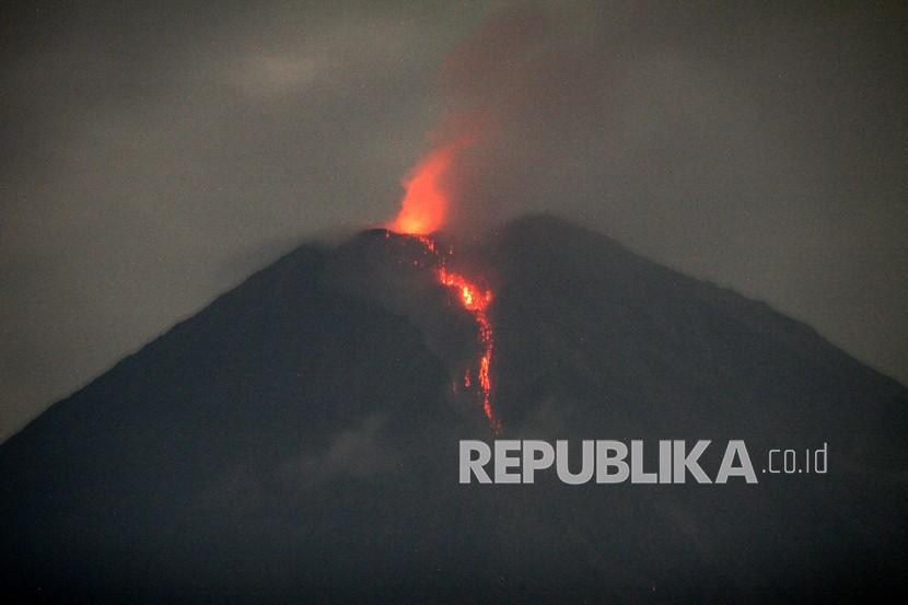 Aktivitas Dan Dampak Erupsi Gunung Semeru Republika Online