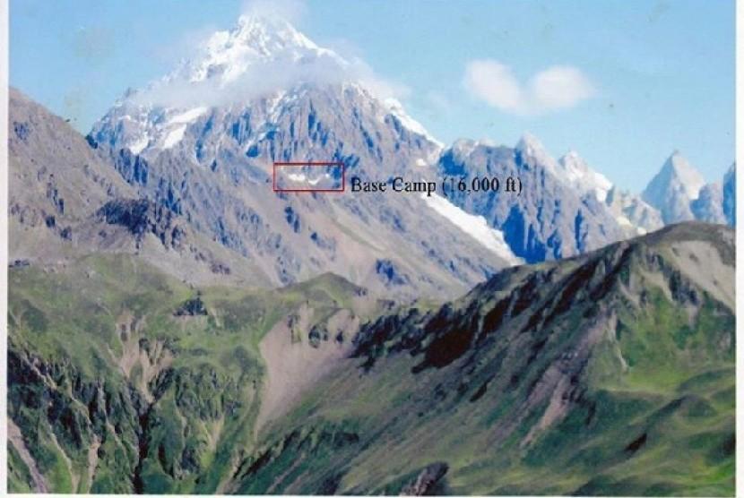 Gunung Gamlang Razi yang merupakan bagian dari pegunungan Himalaya tertinggi di Asia Tenggara