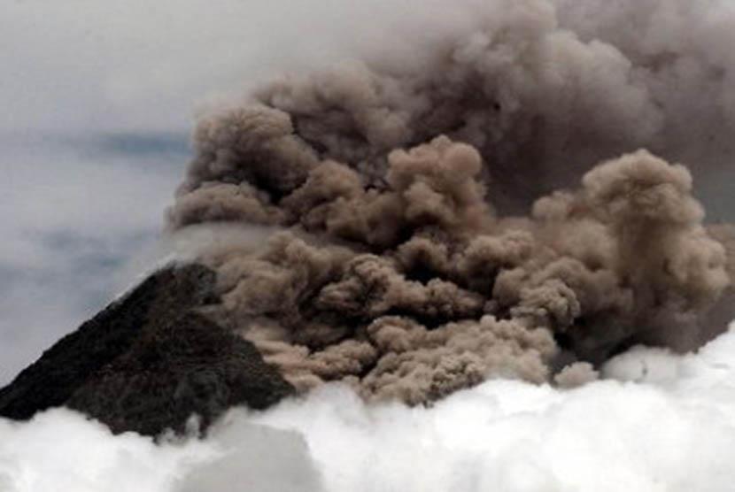 Gunung meletus/Ilustrasi