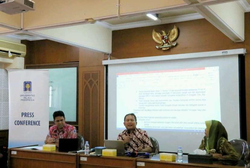 Guru Besar Rekayasa Gempa dan Dinamika Struktur FTSP Universitas Islam Indonesia (UII), Prof Sarwidi.