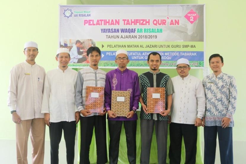 Guru-guru tahfizh Perguruan Islam Ar Risalah, Padang, meraih sanad ilmu tajwid 'Matan Jazariyah'.