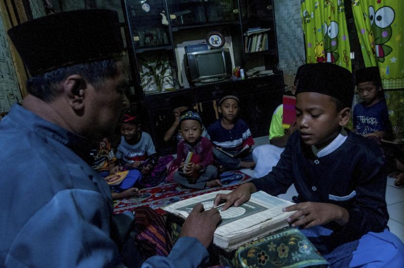 Pemkab Kediri Alokasikan Anggaran Insentif Guru Ngaji (ilustrasi).