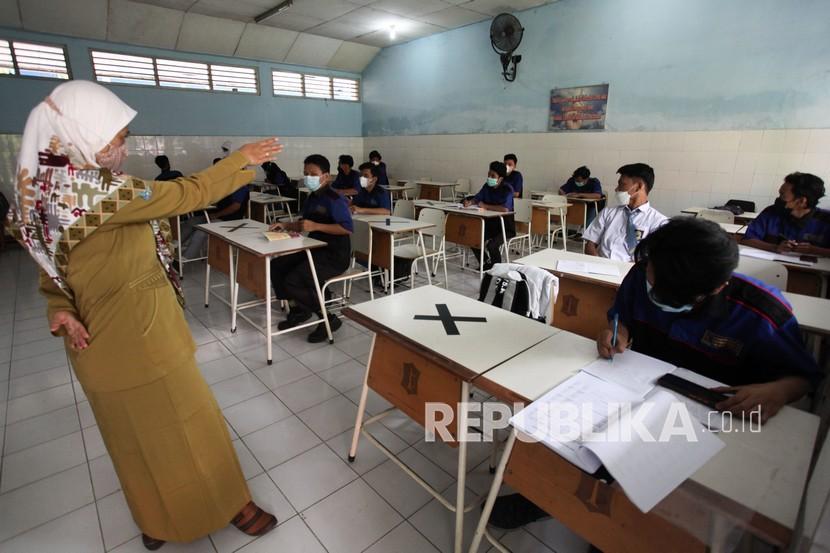 Disdik Surabaya Mengaku Belum Menemukan Klaster Covid-19 PTM (ilustrasi).