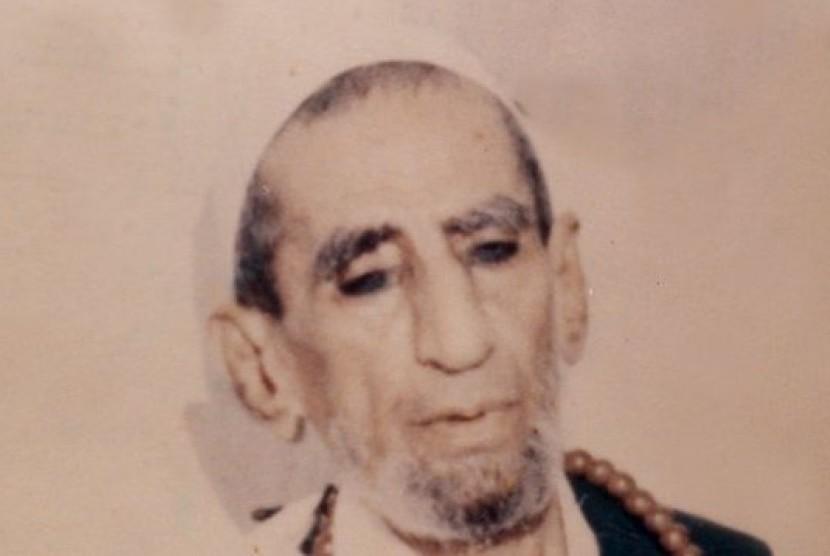 Habib Ali bin Hussein al-Athos.
