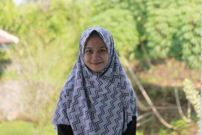 Hanifah Zahra Nasyafira, ketua OSIS yang juga penghafal Alquran 30 juz, lolos seleksi masuk IPB.