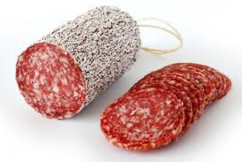 Hasil penelitian menunjukkan, mereka yang memakan daging olahan mempunyai risiko 17 persen lebih tinggi terkena kanker usus.