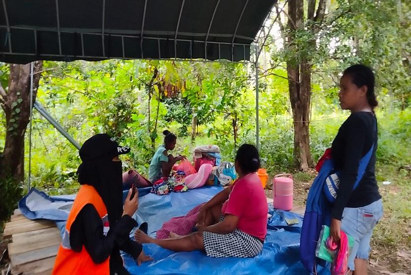 Hingga hari ketiga gempa di Tehoru Maluku, tim Rumah Zakat Action masih melakukan assesment lapangan. Terutama mendata terkait warga yang terdampak gempa tersebut. Kali ini tim bergeser ke Desa Saonolu Kecamatan Tehoru yang menjadi titik atau pusat gempa yang berkekuatan 6,1 Mg.