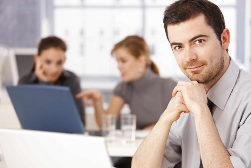 Hubungan baik dengan rekan-rekan kantor akan membuat pekerjaan lebih menyenangkan.