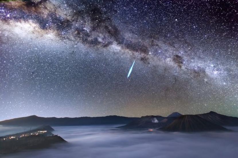 40 Meteor Bisa Terlihat Di Puncak Hujan Meteor Eta Aquarid Republika Online