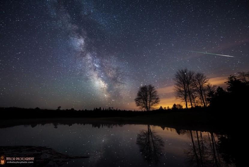 Hujan meteor Eta Aquariids.