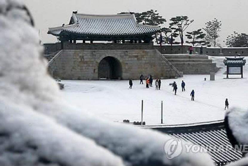 Hwaseong Fortress, salah satu tempat tujuan wisata di Suwon, Korea Selatan