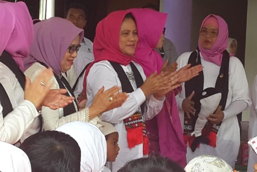 Ibu Negara Iriana Joko Widodo (tengah). Iriana mengatakan, kesempatan UMKM tumbuh besar amat terbuka luas.