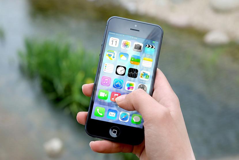 Ilustrasi Aplikasi Ponsel