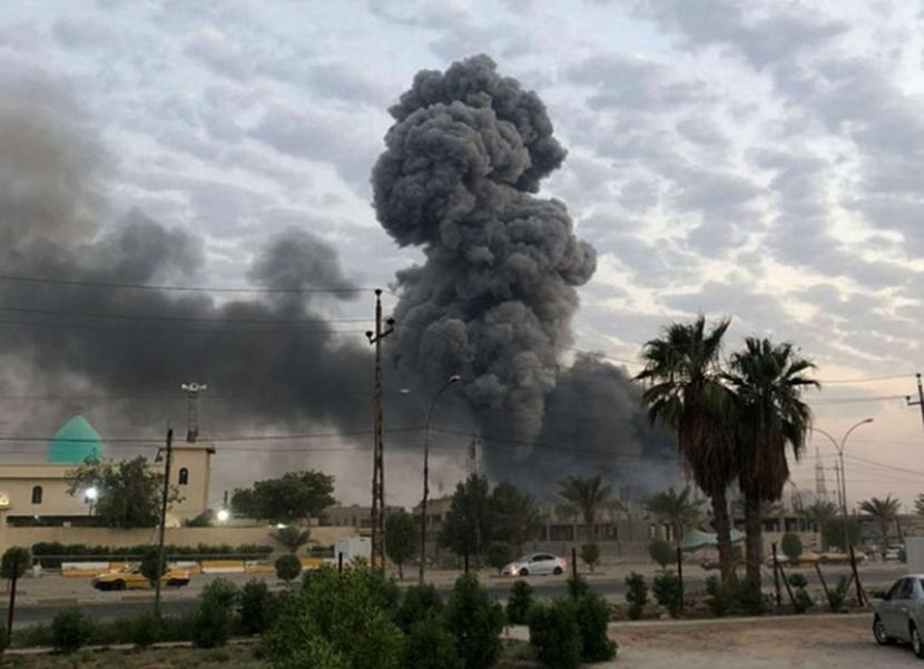 Ilustrasi: Bom meledak di pangkalan militer AS du Baghdad pada 2019.