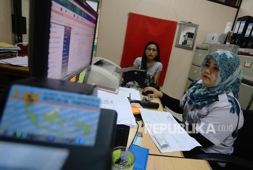 Batam Kembali Kekurangan Blangko Ktp Elektronik Republika Online
