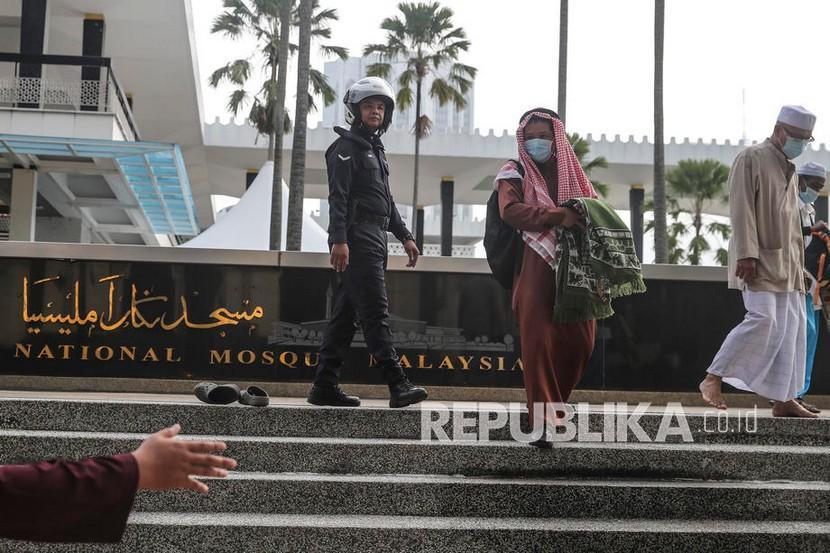 Malaysia Tidak Permasalahkan Kehalalan Vaksin Covid 19 Republika Online