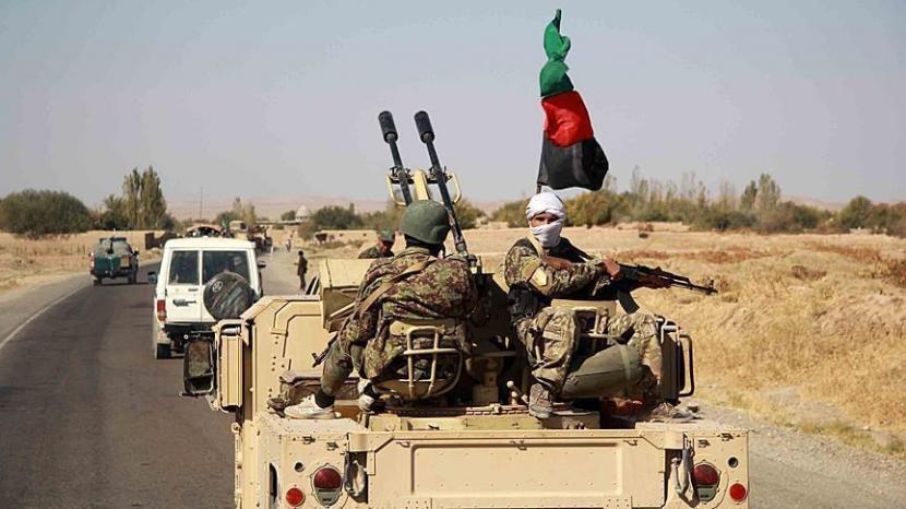 Ilustrasi: Tentara Afghanistan dalam operasi mengambil alih distrik Ghormach Provinsi Faryab dari kekuasaan Taliban.