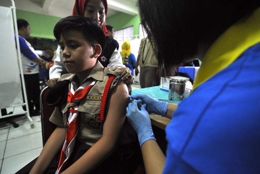 Imunisasi MR (ilustrasi).