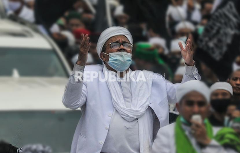 Habib Rizieq Shihab saat tiba di Jakarta sepulang dari Arab Saudi.