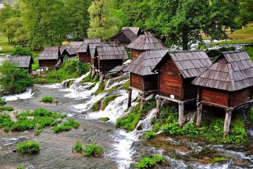 Intip Keindahan Wisata di Kincir Air dari Jajce