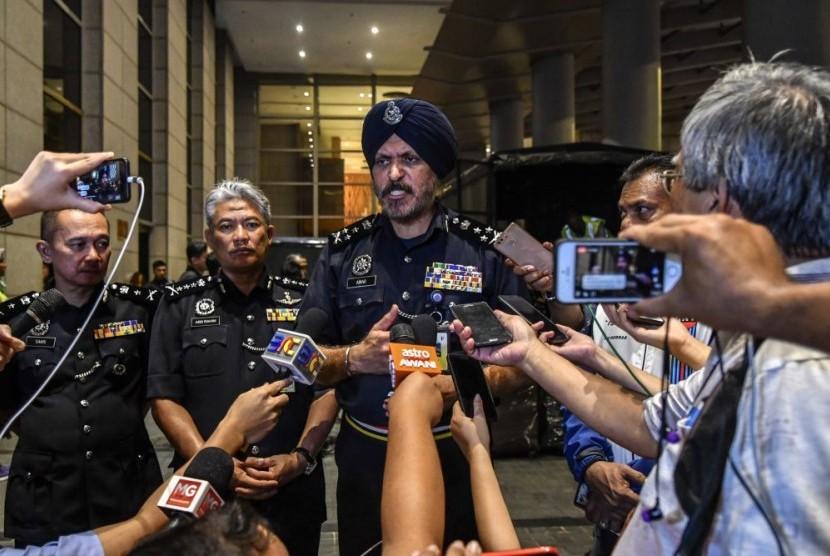 irektur Jabatan Siasatan Jenayah Komersil atau Kepala Divisi Kejahatan Komersial Kepolisian Diraja Malaysia (PDRM), Datuk Seri Amar Singh