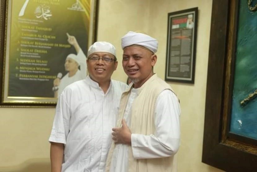 Irwan Kelana dan Ustaz Arifin Ilham.