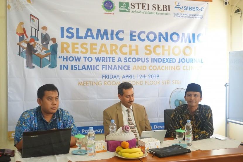 Islamic Economic Research School (IERS) STEI SEBI mengundang nara sumber pakar akuntansi Islam dari Qatar University,  Ousama Abdulrahman Anam  PhD.