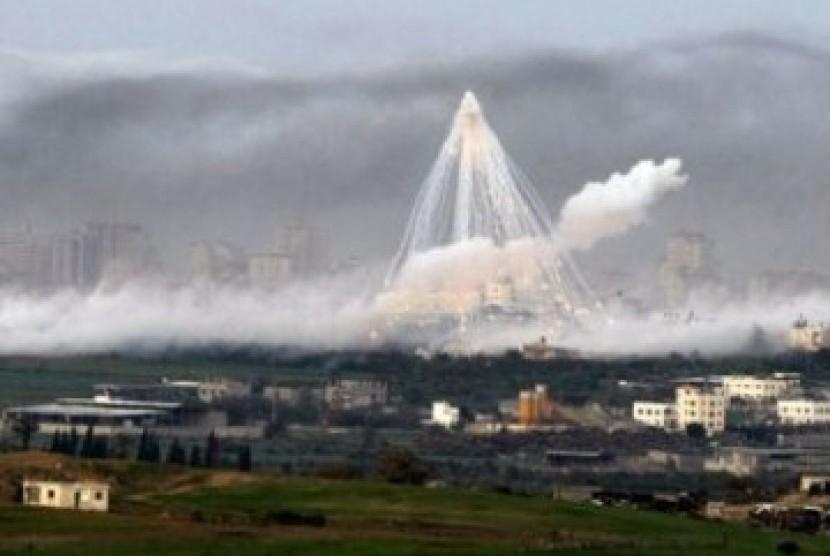 Israel secara periodik masih terus melancarkan serangan udara ke Jalur Gaza
