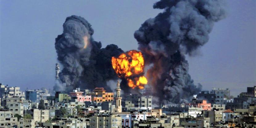 Israel Serang Gaza.