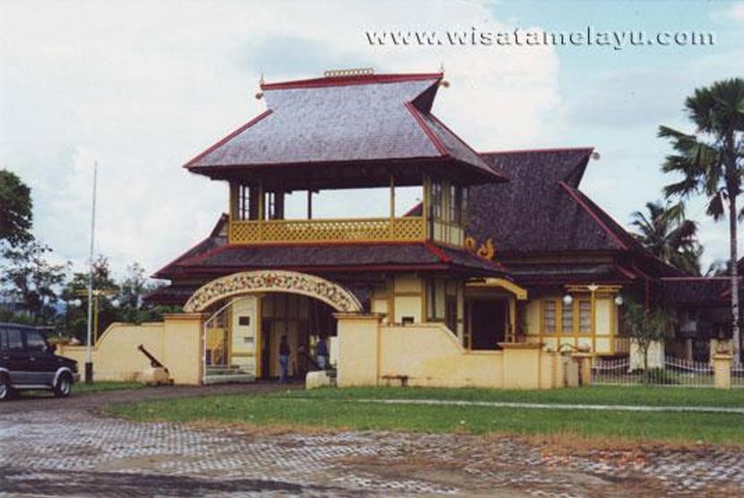 Afbeeldingsresultaat voor Istana Alwatzikhoebillah