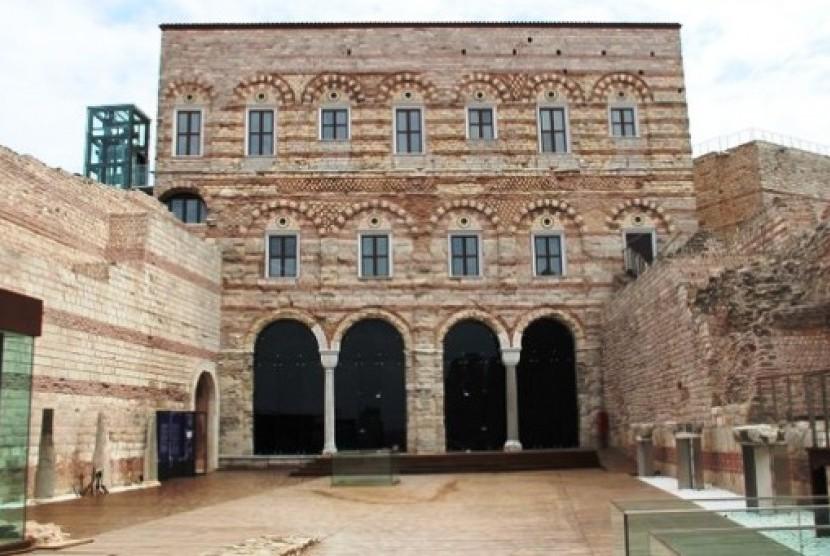 Istana Bizantium Tekfur Sarayi