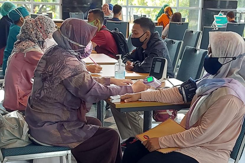 Jakarta Islamic Centre (JIC) mengadakan vaksinasi Covid-19 berkolaborasi dengan Puskesmas Koja Jakarta Utara, Jumat (23/7).