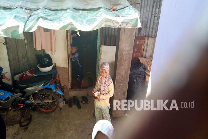 Rumah kontrakan tempat tinggal keluarga korban meninggal pembagian sembako di Monas bernama Rizki (10 tahun) di Rt 12 / Rw 13 Pademangan Barat, Jakarta Utara