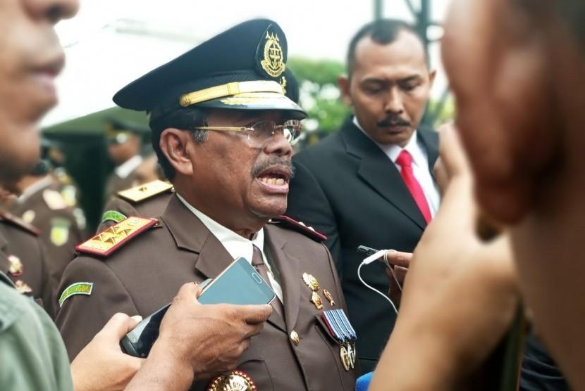 Jaksa Agung, HM Prasetyo di Kejaksaan Agung, Senin (23/7).