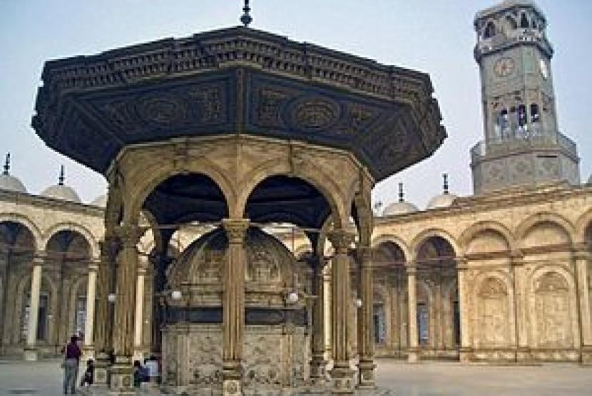 Jam Dinding Besar Masjid Muhammad Alli