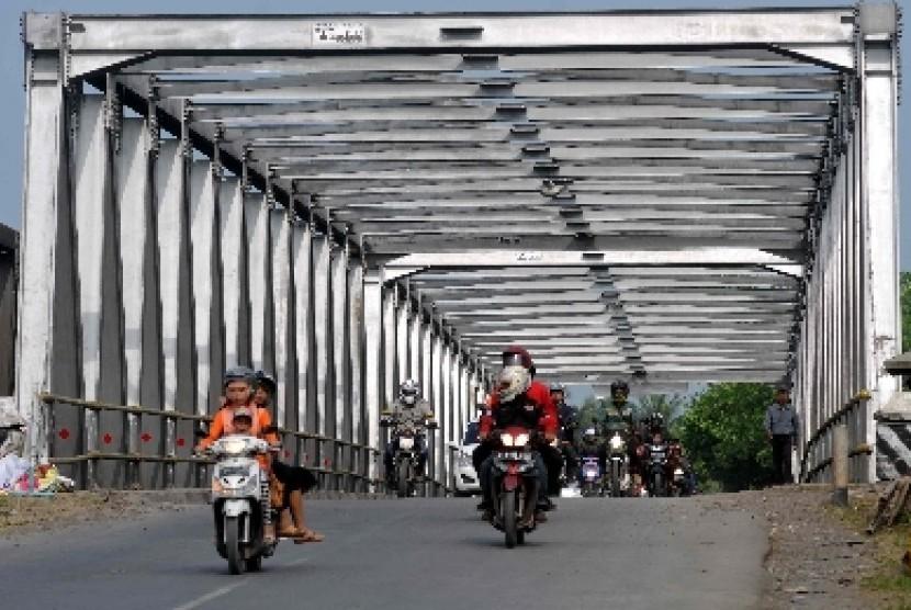 Jembatan Comal Kembali Normal pada Desember   Republika Online
