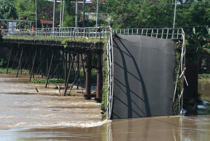 Jembatan runtuh. ilustrasi