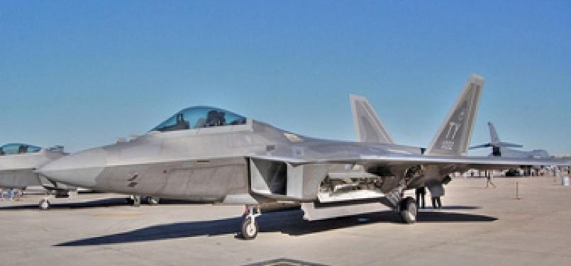 Jet tempur F22  Raptor