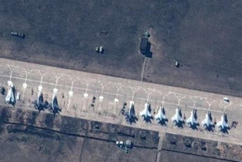 Jet tempur Rusia di perbatasan Ukraina