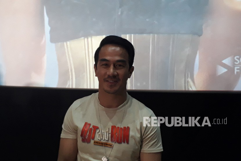 Joe Taslim usai konferensi pers film Hit and Run di CGV FX  Sudirman Jakarta, Kamis (17/1).