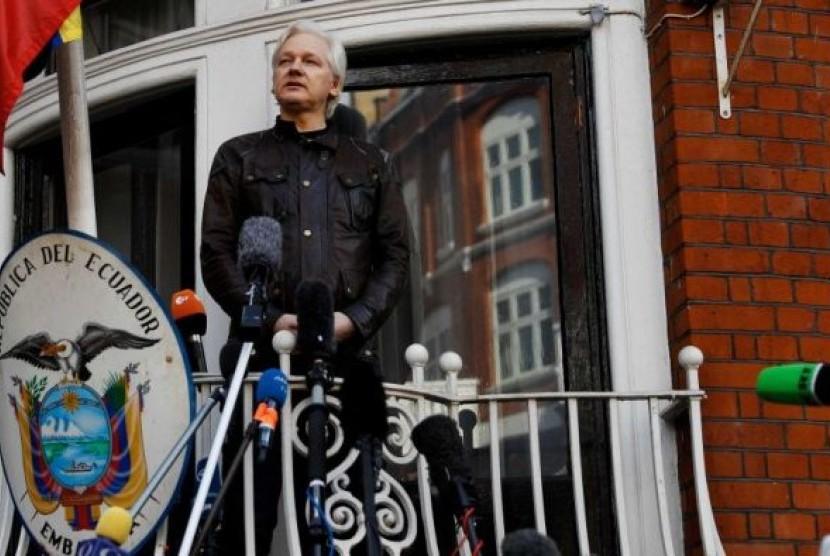 Julian Assange telah mendekam di Kedutaan Ekuador di London, Inggris sejak 2012.