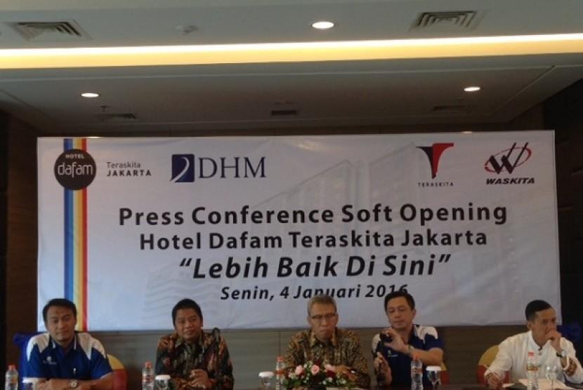 Jumpa pers soft opening Hotel Dafam Teraskita, Jakarta Timur, Senin (4/1) 2016